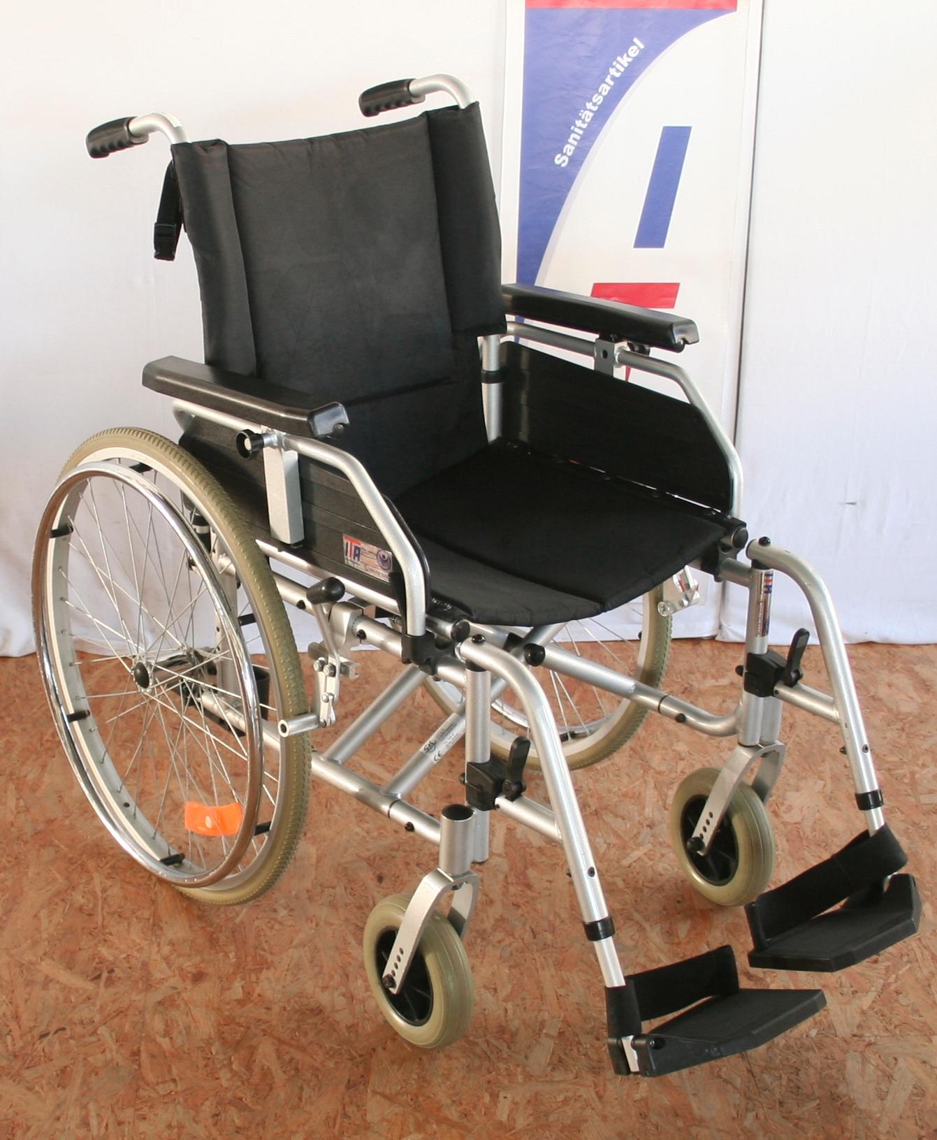 faltrollst hle rollst hle mobilit t ita sanit tsartikel gebrauchte neue hilfsmittel zu. Black Bedroom Furniture Sets. Home Design Ideas