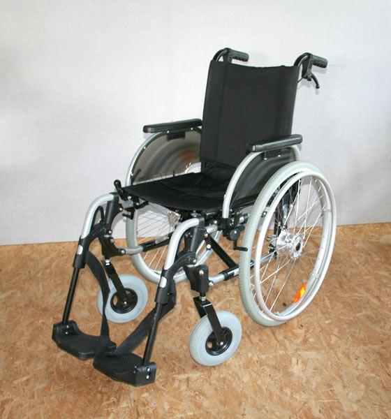 rollstuhl faltrollstuhl otto bock start m1 sitzbreite 40cm sb 38 40 faltrollst hle. Black Bedroom Furniture Sets. Home Design Ideas