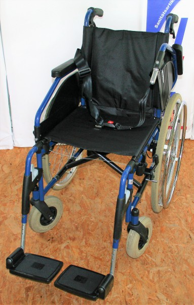 Faltrollstuhl Ortopedia Impuls SB 42 / mit Bremsen für Begleitperson