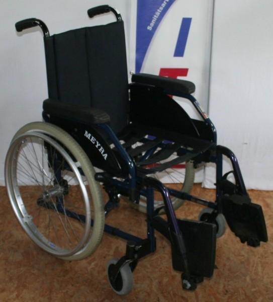 Faltrollstuhl Meyra mit anpassbarem Sitz und Rückenlehne SB 42 cm