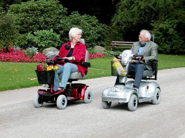 1 Tag Elektromobil Scooter Elektrorollstuhl Vermietung verschiedener Modelle ab 39 Euro