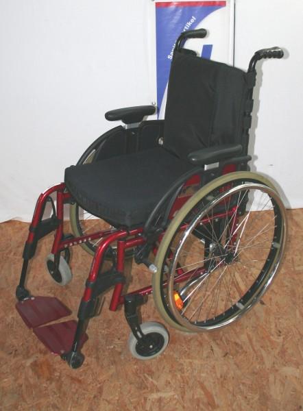 Rollstuhl / Aktiverollstuhl Otto Bock Avantgarde / SB 40 cm